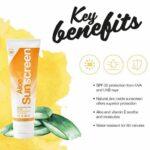 Aloe Sunscreen har mange fordele, høj solfaktor 30, vandfast og plejende for huden.