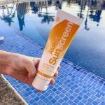 Forever solcreme med solfaktor 30, meget vandfast, trænger hurtigt ind i huden uden at fedte eller klistre.